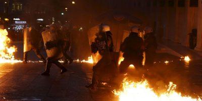 FOTOS: Estalla violencia en Grecia por propuestas económicas del Eurogrupo