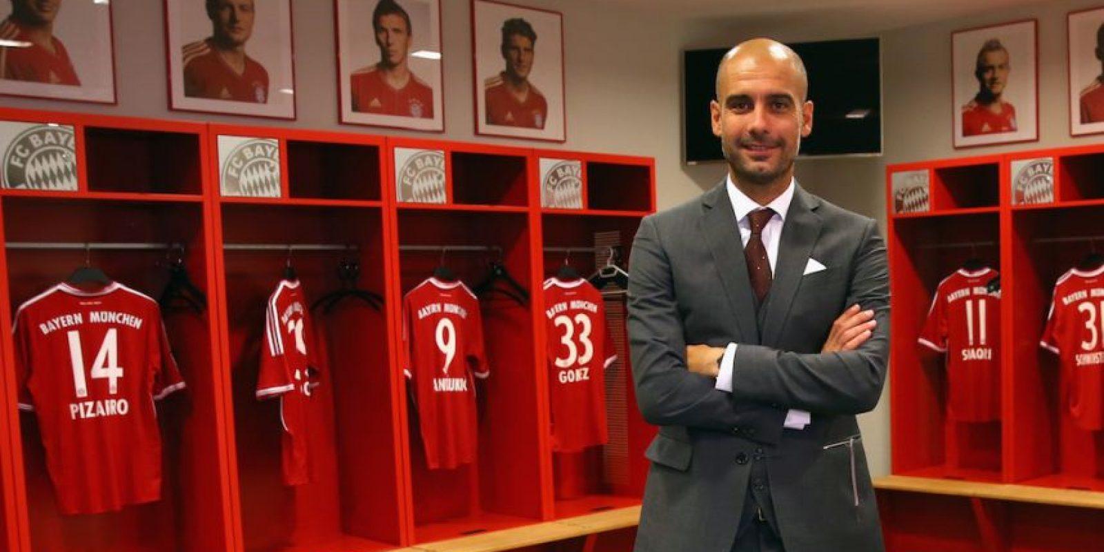 En 2013, Pep Guardiola posó con los retratos de estos jugadores al fondo. Hoy, ninguno de ellos sigue en el Bayern Munich. Foto:Getty Images