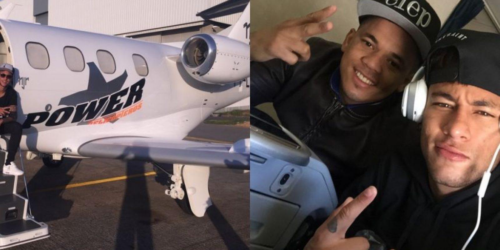 Neymar se compró un jet privado al inicio de sus vacaciones. En él ha viajado durante todo el verano boreal. Foto:Vía instagram.com/neymarjr