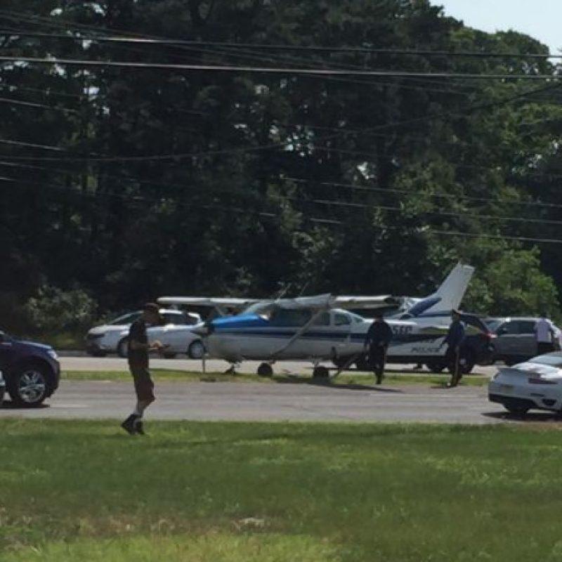 La aeronave iba tripulada por estudiantes de paracaidismo. Foto:Vía facebook.com/StaffordTownshipPoliceDepartment