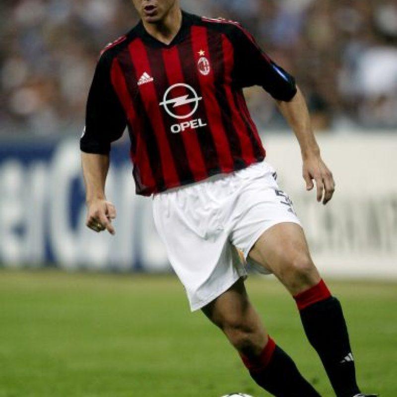 En el 2000, Redondo, titular para Vicente del Bosque en el Real Madrid fue vendido al AC Milán cuando tenía 31 años de edad. Foto:Getty Images