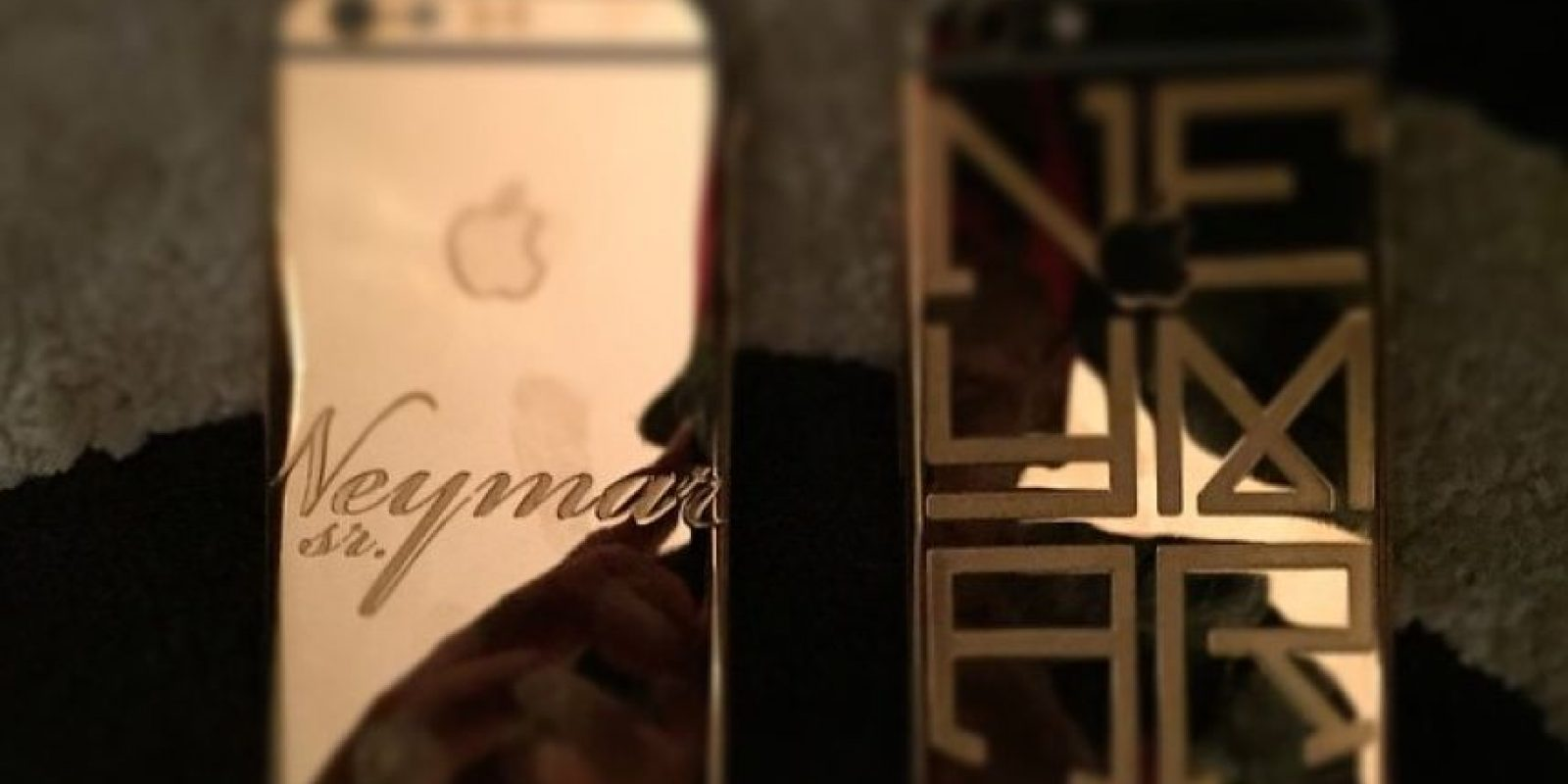 """Además, se unió a la """"moda"""" de los iPhones con carcasa de oro. La versión sin personalizar tiene un costo de 6 mil 490 dólares. Foto:Vía instagram.com/neymarjr"""