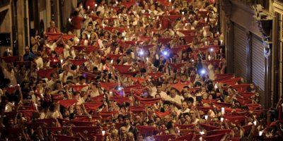 Juerguistas en el último día del festival de San Fermín en Pamplona, Navarra, España. Foto:AFP