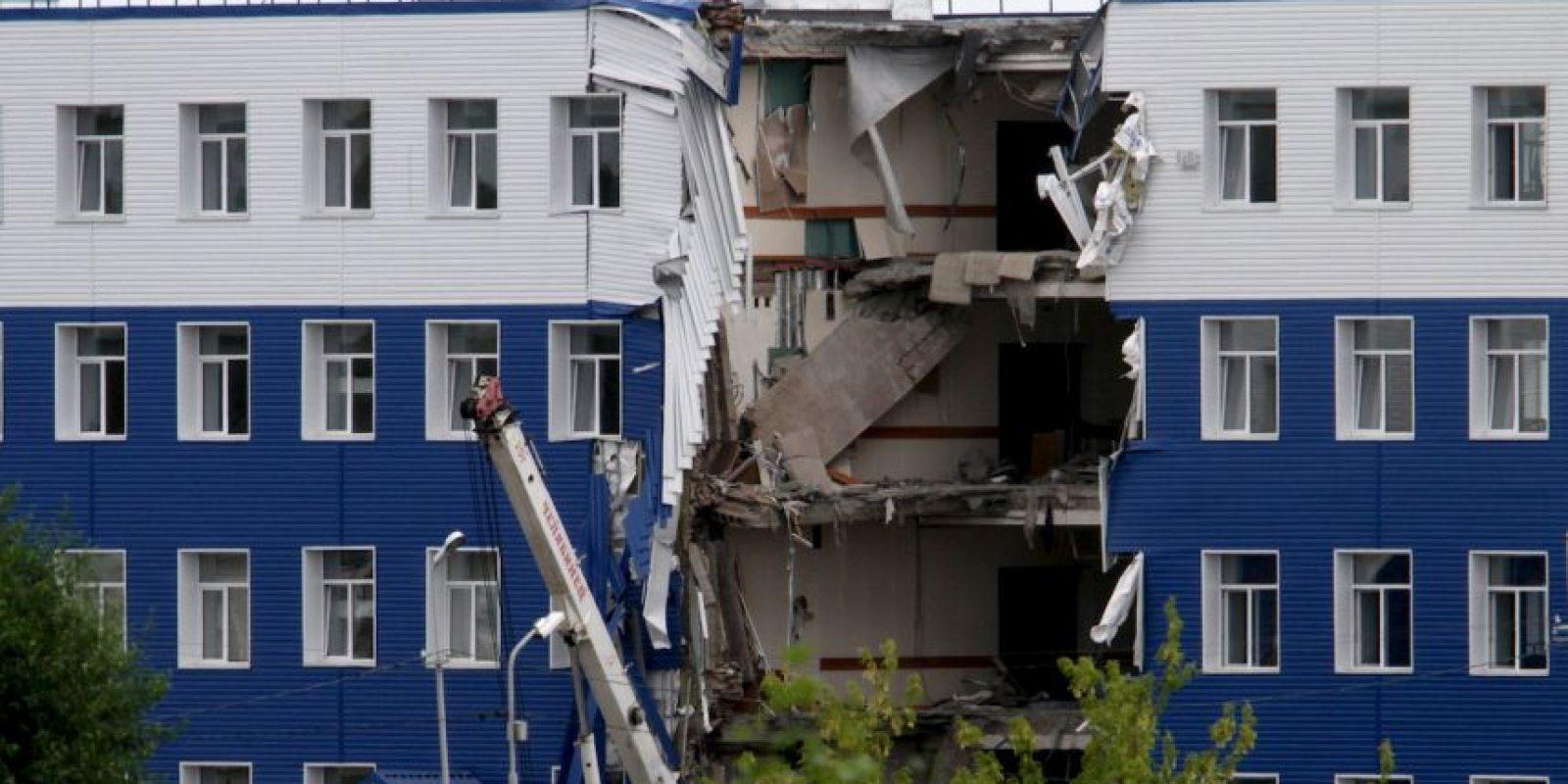 Edificio colapsado en Rusia. Un total de 23 soldados rusos murieron aplastados. Foto:AFP