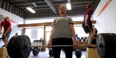 Es necesario parar el autodiálogo negativo, empezar con resoluciones positivas sobre la salud y el bienestar, en lugar de quedarse pegados con errores pasados. Foto:Getty Images