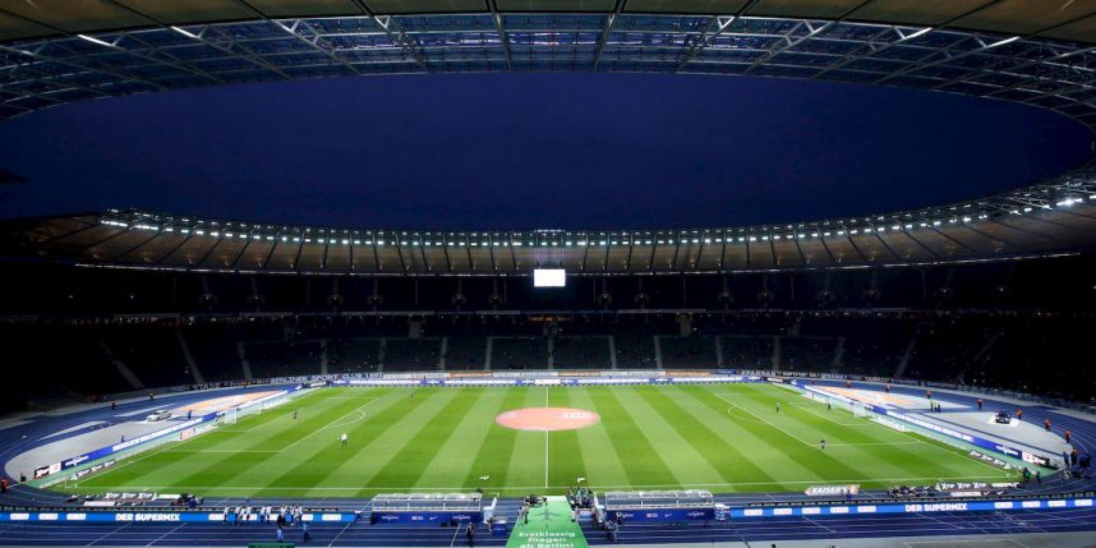 Combina la historia reciente de Alemania con modernidad. Fue construido para los Juegos Olímpicos de 1936, cuando Adolf Hitler gobernaba el país teutón y albergó la final del Mundial de 2006. Foto:Getty Images