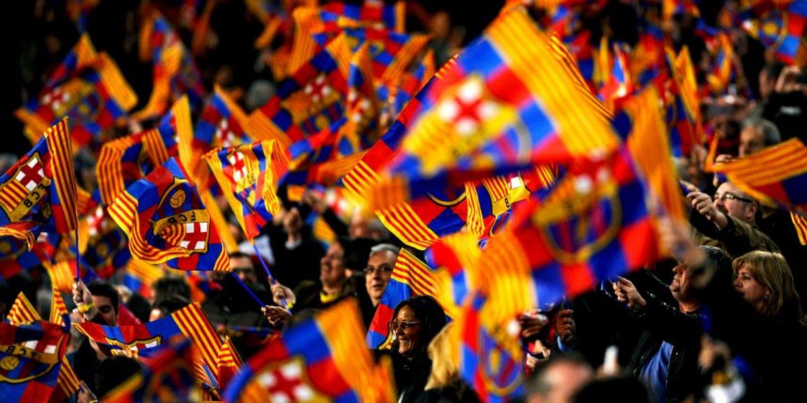 """Es el recinto más grande de España y también fue considerado """"estadio élite"""" por la UEFA. Suele estar lleno de color y pasión durante los juegos del Barcelona y también han hecho espectaculares mosaicos en él. Foto:Getty Images"""