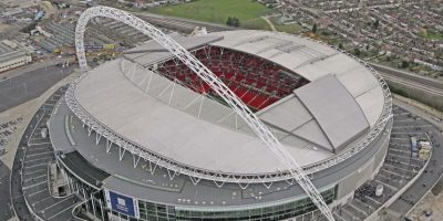 """Fue construido sobre el original Estadio de Wembley. En 2002, este se demolió y en 2007, el nuevo recinto fue inaugurado. Fue el propio Pelé quien lo bautizó como """"La catedral del fútbol"""". Foto:Getty Images"""