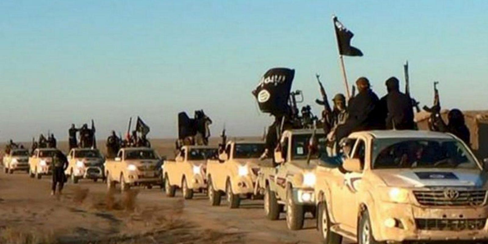 Una coalición internacional lucha por desarticular al grupo terrorista. Foto:AP