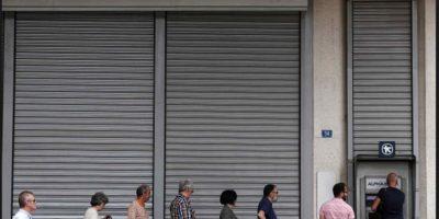 Ha reducido los salarios del sector público en 20% y las pensiones en 10% Foto:AP