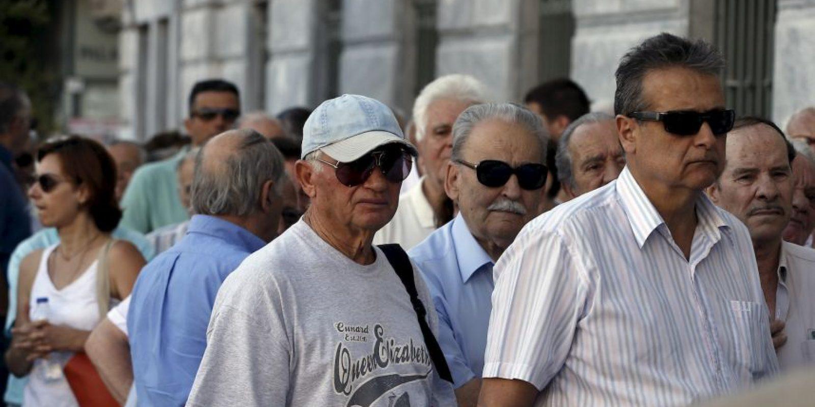 … al final, Alexis Tsipras terminó firmando condiciones peores Foto:AP