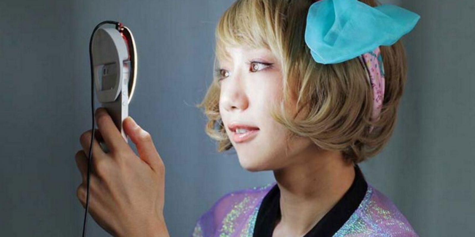 Así luce Kira, el aro para móviles que perfecciona los selfies Foto:Kira