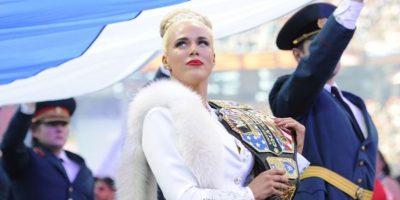 """Así respondió esta diva de la WWE a quienes la criticaron por """"tener espinillas"""""""