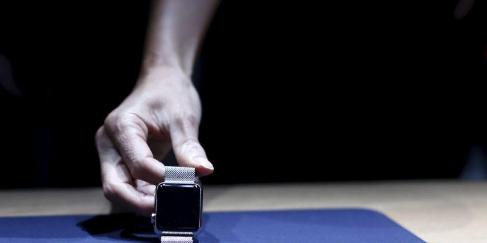 """Esperen un segundo ¿No es la promesa del Apple Watch ayudarnos a estar en el momento, centrado en la gente a mi alrededor. Entonces, ¿Por qué de repente me siento tan distraído?"""" Foto:Getty Images"""