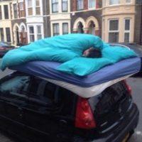 Duermiendo en la calle Foto:Desmotivacion