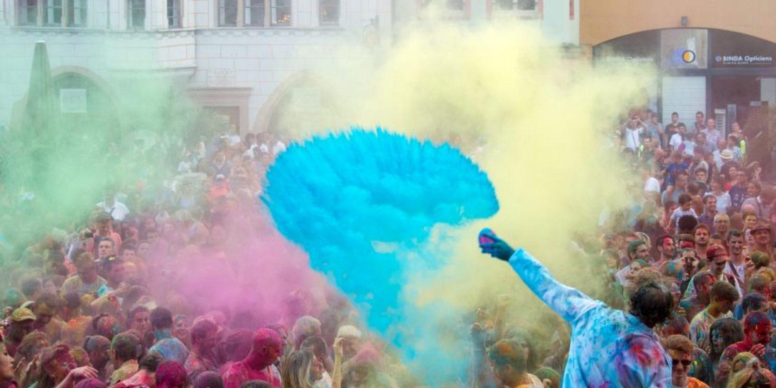 Batalla de color en Francia. Foto:AFP