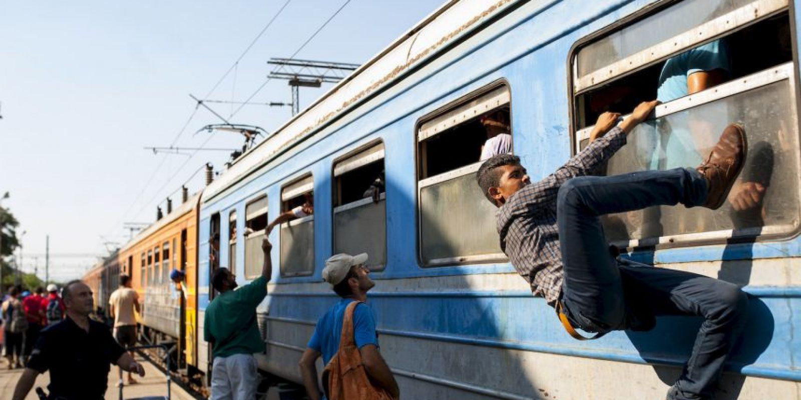 Migrantes en Serbia que tratan de llegar a la Unión Europea a través de Hungría. Foto:AFP
