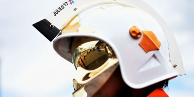 El piloto falleció el pasado 17 de julio y este 26, durante el Gran Premio de Hungría, sus excompañeros lo recordaron. Foto:Getty Images