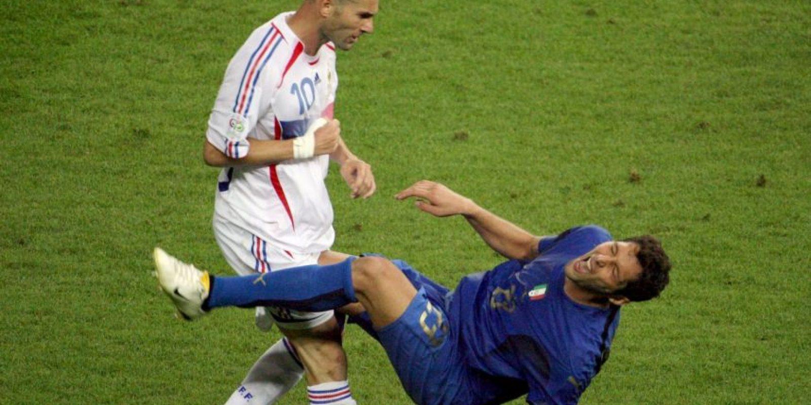 El cabezazo de Zinedine Zidane a Marco Materazzi, en el Mundia de Alemania 2006. Foto:AFP