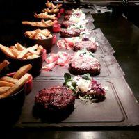 """En este negocio se venden hamburguesas pero bajo el concepto """"gourmet"""". Foto:Vía instagram.com"""
