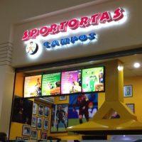 """En su menú incluyen nombres de tortas como """"La Jorge Campos"""", la """"Cuauhtemiña"""" y """"Taco Márquez"""". Foto:Vía instagram.com"""