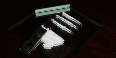 Sewel se vio consumiendo cocaína con un billete y del cuerpo de una de sus acompañantes Foto:Vía flickr.com