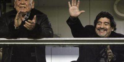 Diego Armando y su padre. Foto:Getty Images