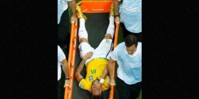 La estrella de Brasil sufrió una fractura de vértebra en los cuartos de final ante Colombia Foto:AFP