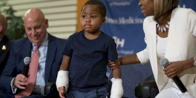 Zion Harvey perdió ambas extremidades a los dos años de edad, cuando se infectó de gangrena. Foto:AP