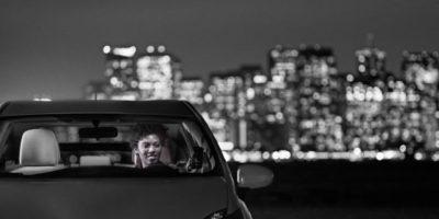 Y para evitar ser detectados por taxistas, ahora esconden su celular y no lo dejan a la vista en el tablero. Foto:Uber