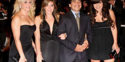 """Otro polémica para Diego Maradona: Llamó """"ladrona"""" a su exesposa y madre sus hijas"""