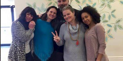 Mujer muere de cáncer y su mejor amiga adopta a sus 4 hijas