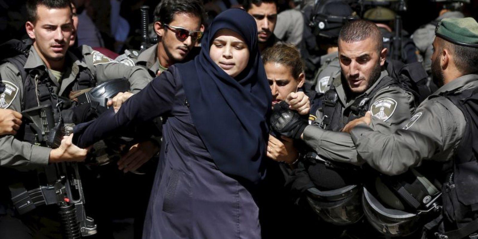 Arrestan a mujer palestina por protestar. Foto:AFP