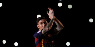 El argentino se presentó en el Camp Nou durante un duelo del Trofeo Joan Gamper ante la Roma. Foto:AFP