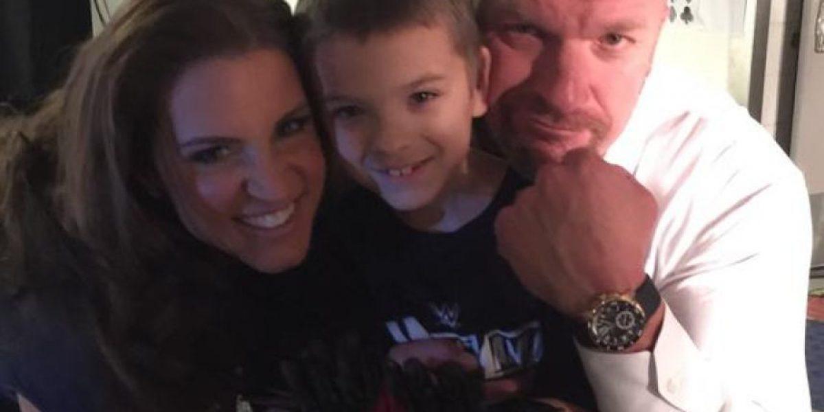 WWE cumple el sueño de niño de 8 años que sufre cáncer