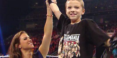 Después de una función de RAW, Elijah fue presentado oficialmente como un luchador más de la WWE. Foto:Vía facebook.com/wwe