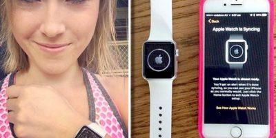 Melanie Firbank, bailarina autraliana, fue la primer persona en recibir el Apple Watch a domicilio Foto:Twitter