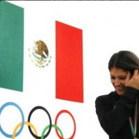 Es una esgrimista mexicana Foto:Via twitter.com/PaolaPliego
