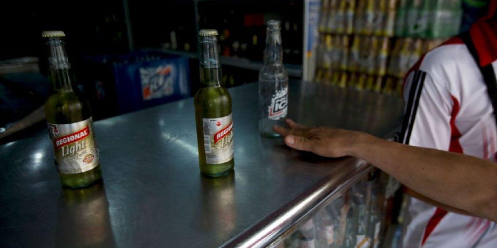 El cese de operaciones de las plantas de Cervecería Polar afecta al 25% de la producción nacional Foto:AP