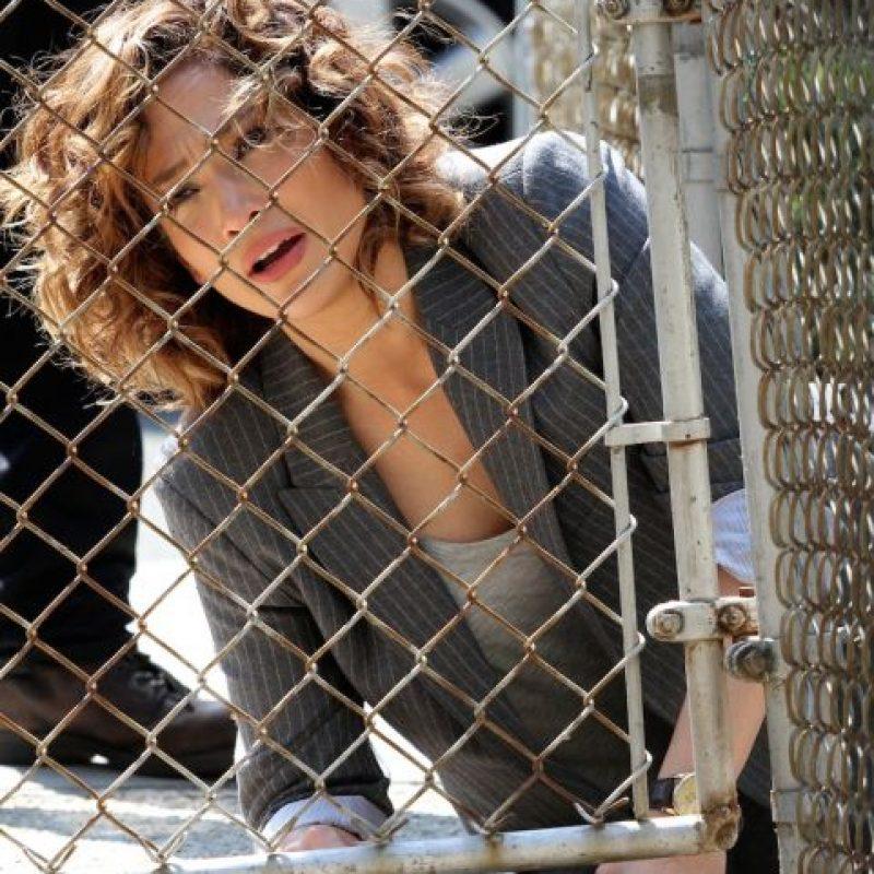 En este drama, López interpreta a una detective y madre soltera. Foto:The Grosby Group