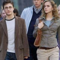 """Y hablando de """"Harrys"""", en 2010, el intérprete de """"Harry Potter"""" confesó que los besos de la actriz son """"salvajes"""" Foto:vía facebook.com/harrypottermovies"""