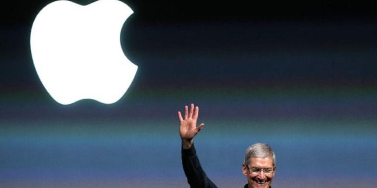 Finalmente, asumió el puesto de director ejecutivo de Apple en 2011 en sustitución de Steve Jobs. Foto:Getty Images