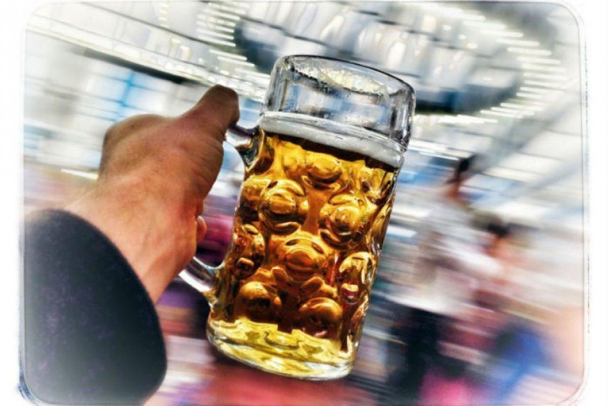 En la Edad Media se consumía más cerveza que agua (porque el alcohol la hacía más higiénica) Foto:Getty Images