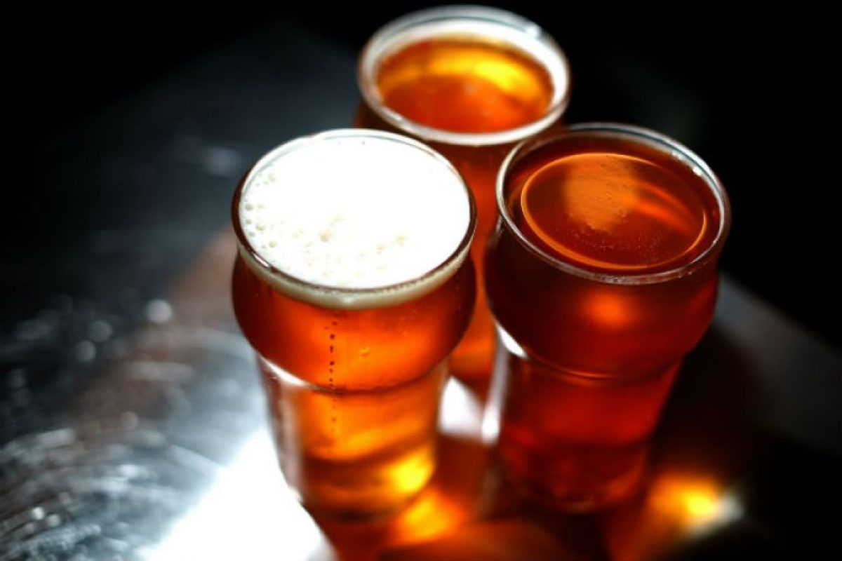 La luz arruina el sabor de la cerveza Foto:Getty Images