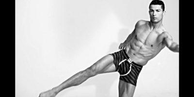 Cristiano Ronaldo presume músculos en su nueva colección de ropa interior