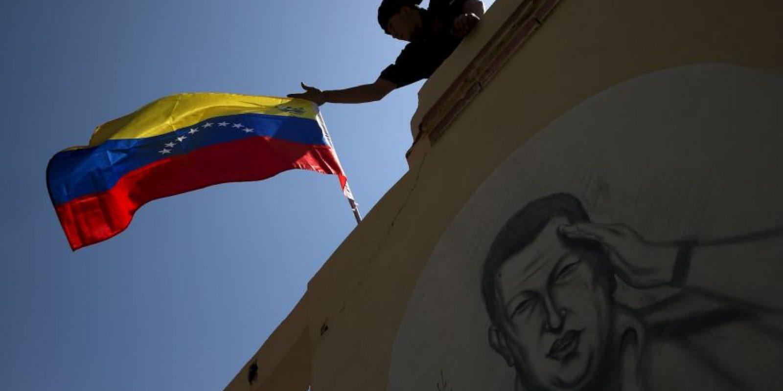 Como protestas ciudadanos venezolanos incendiaron una alcaldía. Foto:Getty Images