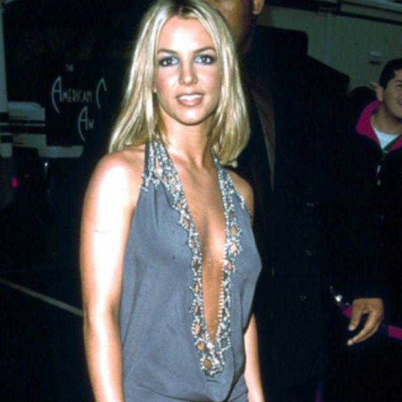 Ni los contrabandistas hubiesen traído un vestido peor. Foto:vía Getty Images