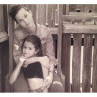 """Selena comenzó actuar a los 7 años en la serie """"Barney & Friends"""". Foto:Instagram/SelenaGomez"""
