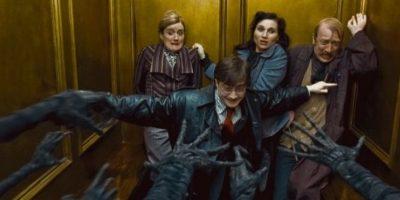 """Harry Potter sería el tercer hermano, ya que hereda la """"Capa de Invisibilidad"""" que le heredó su padre. Foto:IMDb"""