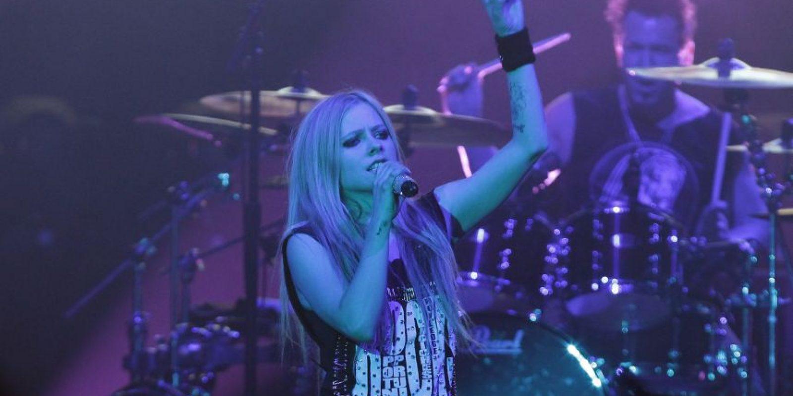 Lo que son buenas noticias para Avril Lavigne. Foto:Getty Images